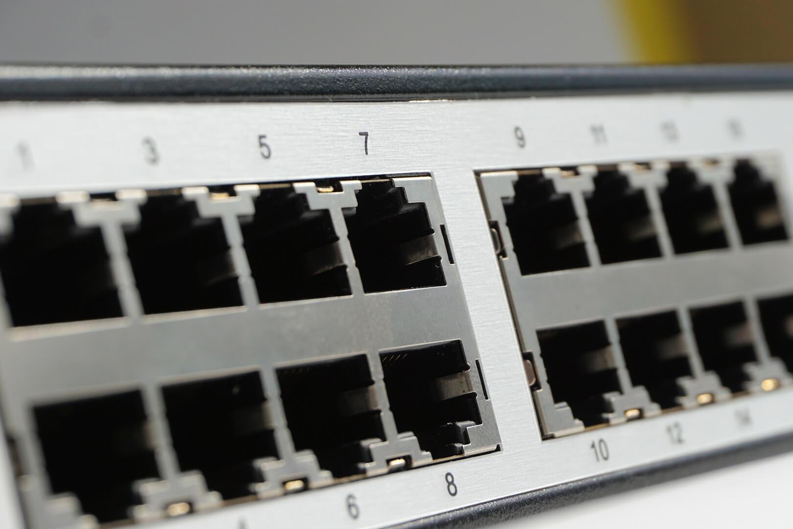 Wat is het verschil tussen een modem en router?